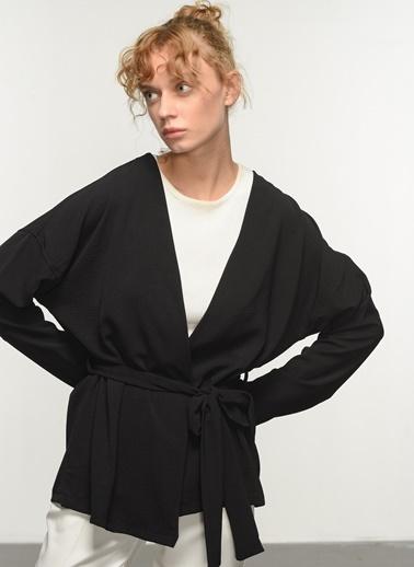 People By Fabrika People By Fabrika Bağlama Detaylı Pudra Kadın Ceket Siyah